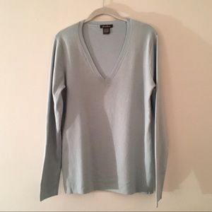 Eddie Bauer pale blue cotton knit v neck sweater L